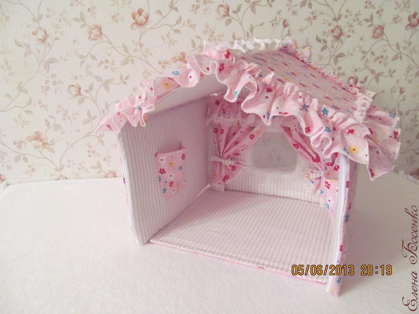 Как сделать дом для куклы из ткани
